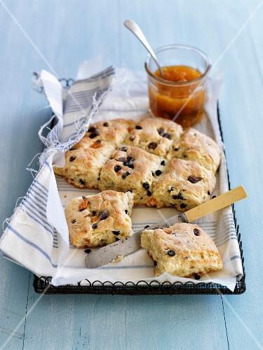 English raisin scones