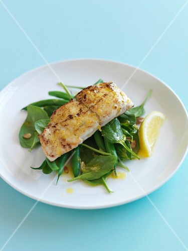 Snapper with lemon,green beans,spinach and pine nuts