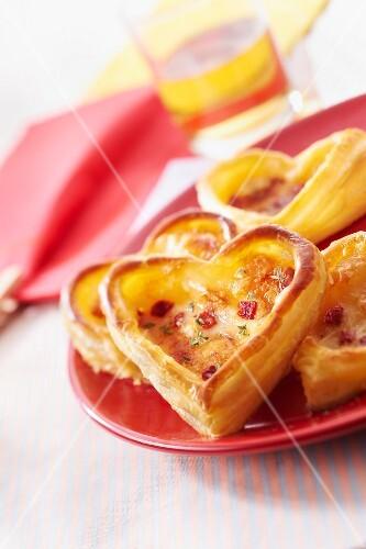 Neufchâtel and Piquillos pepper heart-shaped tartlets