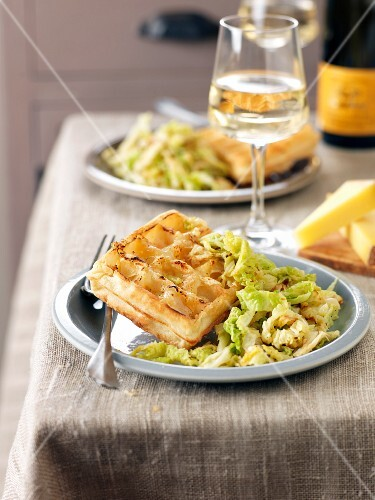Waffle with slowly cooked cabbage