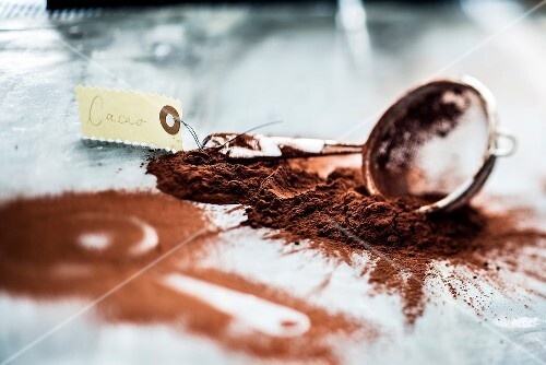 Sieve mark with cocoa