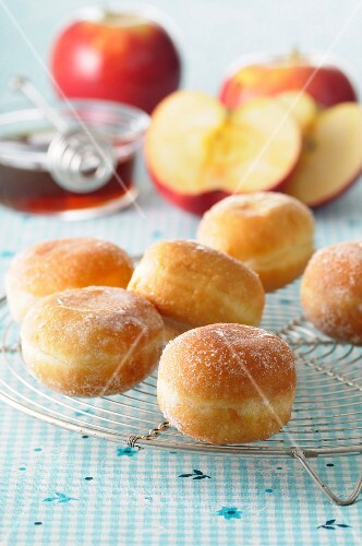 Apple and maple syrup donuts
