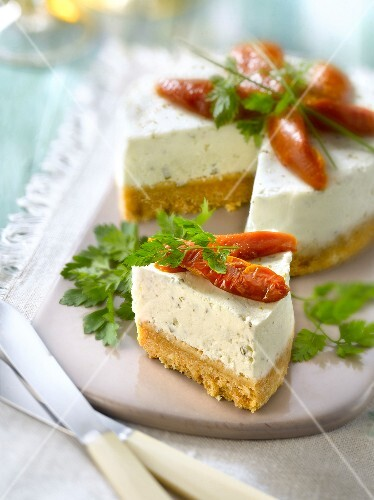 Goat's cheese and sun-dried tomato cheesecake