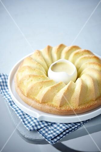 Savoie cake with custard