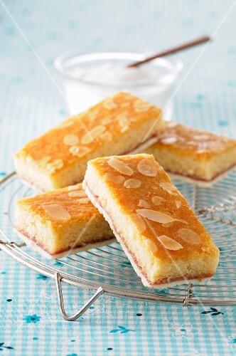 Small almond cakes