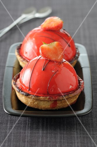 Strawberry dome tartlets