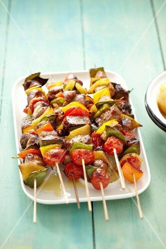 Pork and vegetable brochettes