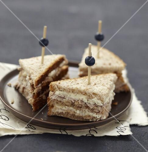Vitello Tonnato club sandwich