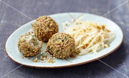 Tuna and sesame seed fishballs