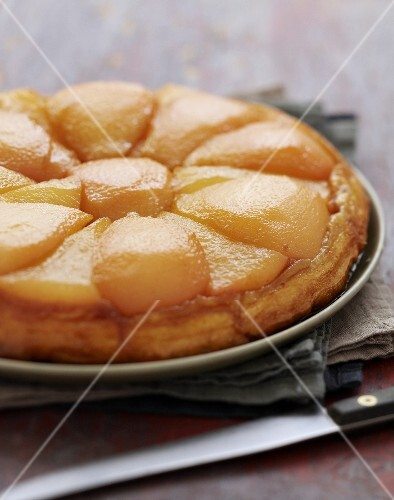Quince upside-down cake