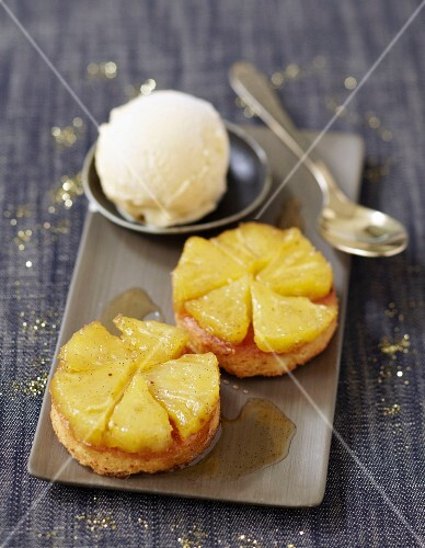 Small express pineapple upside-down cakes