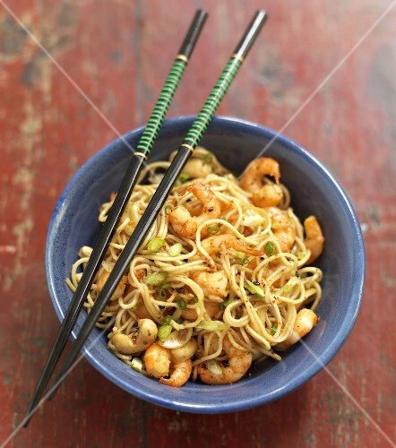 Sauteed noodles with shrimps and shichimi
