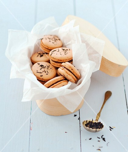 Tea-flavored macaroons