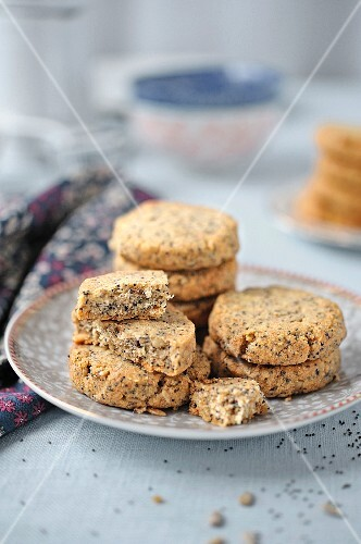 Poppyseed and sunflower seed shortbread cookies