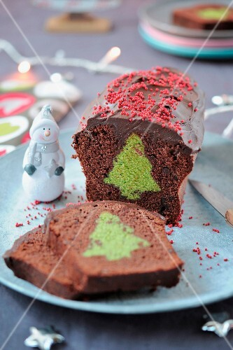 Surprise chocolate cake with a green tea Christmas tree center