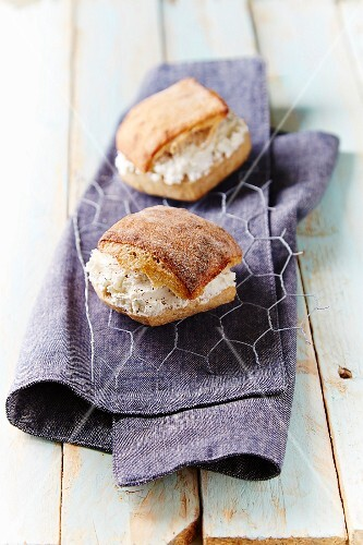 Small Fromage frais sandwiches