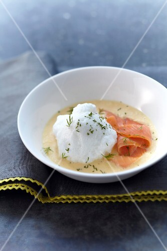 Savoury salmon floating island with dill
