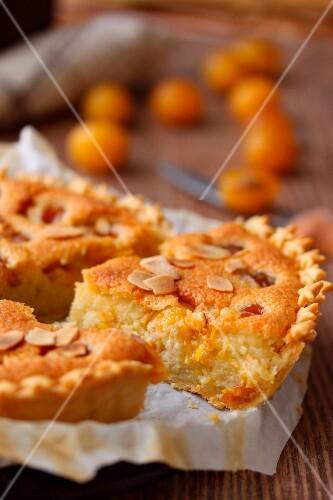Amandine and mirabelle plum pie