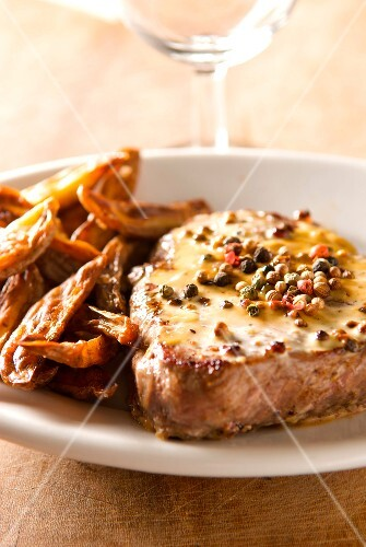 Veal Granadin with pepper and french fries