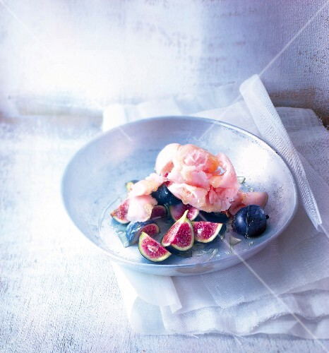 Peach sorbet with figs