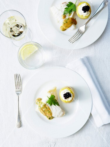 Steamed salt cod with parsley,creamy potatoes and lumpfish