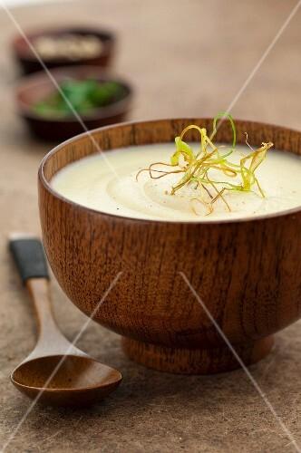 Cream of potato,onion and nutmeg soup