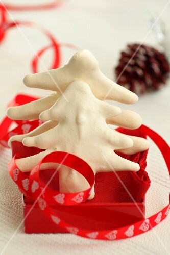 Meringue Christmas tree