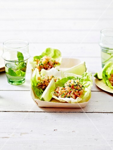 Salmon and chive tartare served in lettuce leaves