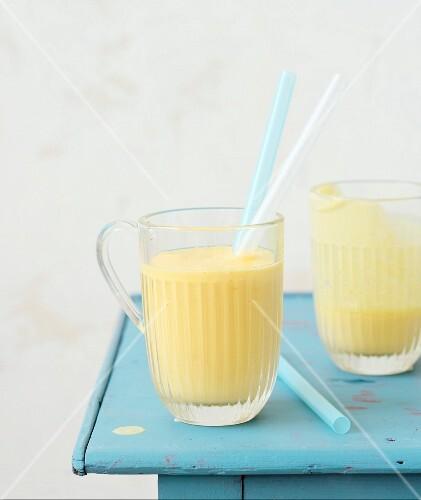 Manogo-coconut smoothies