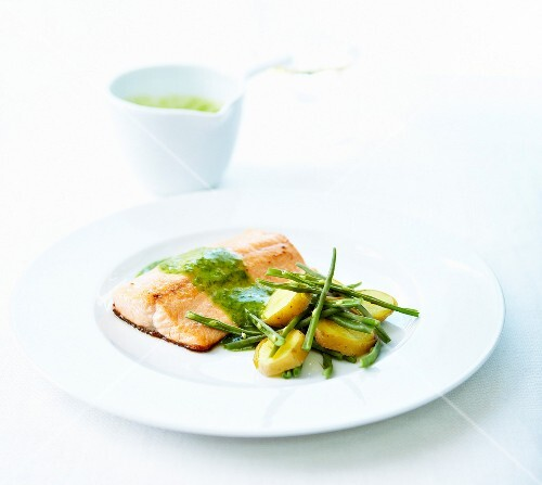 Trout fillet,dill sauce,potatoes and green beans