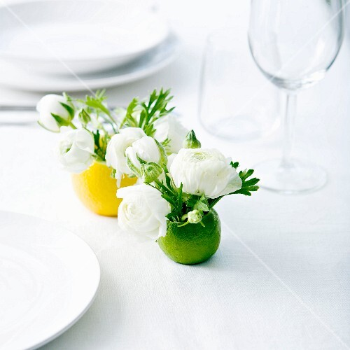 Peony-lemon table decoration