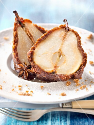 Roasted pears in gingerbread crust and star anise syrup