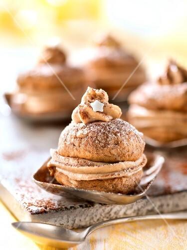 Chestnut whoopie pies