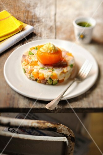 Fish tartare with apricot and avocado