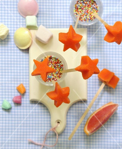 Orange-grapefruit star pops