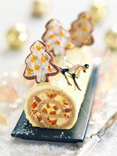 Clementine-Speculos ginger biscuit Christmas log cake
