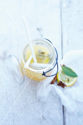 Apple juice and cider cocktail