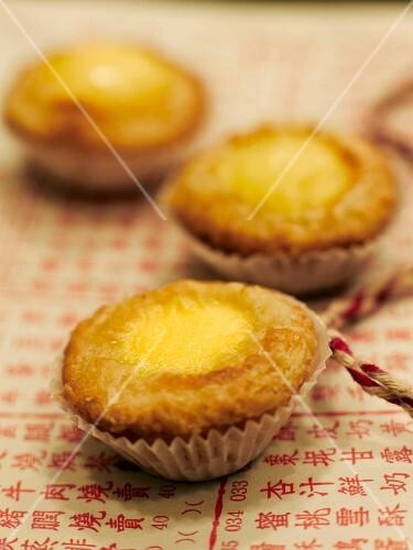Custard cupcakes