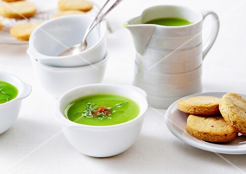 Minty green vegetable soup