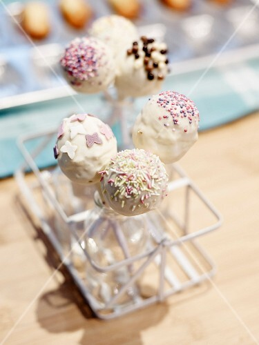 Cake pops with white chocolate glaze