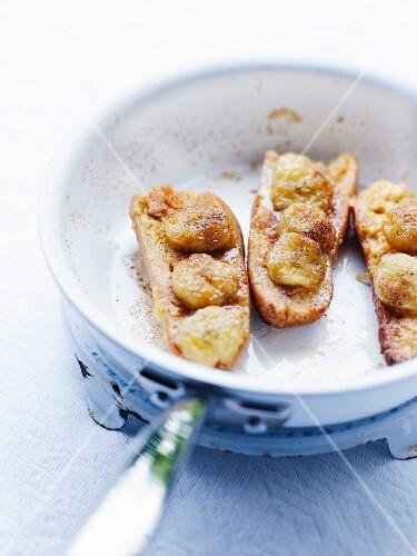 Banana-cinnamon French toast