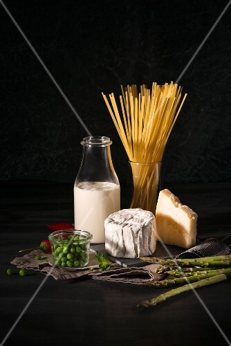 Ingredients for linguinis with spring vegetables and cheese