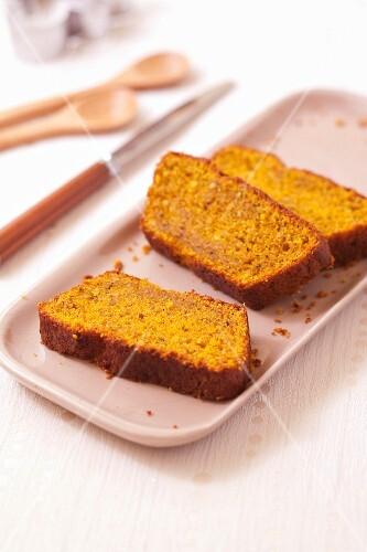 Pumpkin and hazelnut express cake