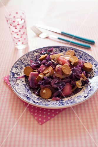 Pear,red cabbage and soya saussages stew