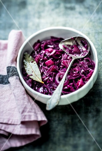 Flemish-style stewed red cabbage