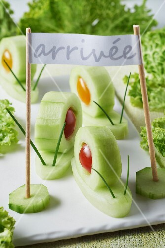 Cucumber snails in a running competition