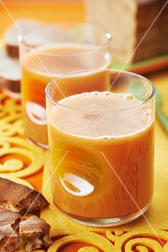 Fresh carrot,apple and ginger juice