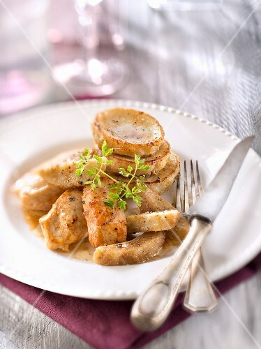 Chicken breasts with roasted artichoke bases