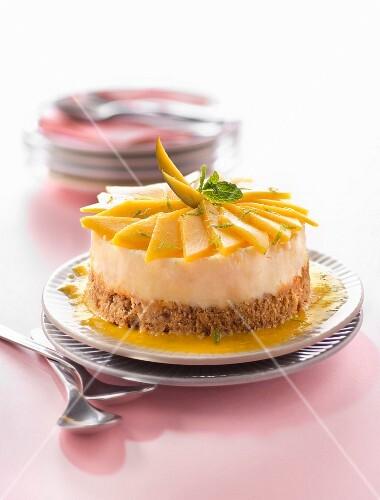 Small mango cheesecake