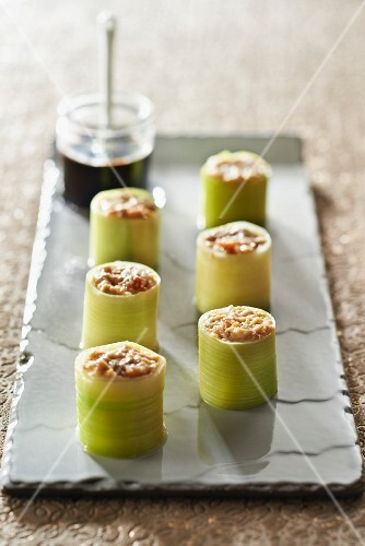 Leek and potted scallops makis,Asian sauce